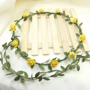 Accessories - Beautiful simple flower flexible crown yellow 🌼